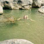 Prevail Beach, laspalmowy i kąpiel pod wodospadem