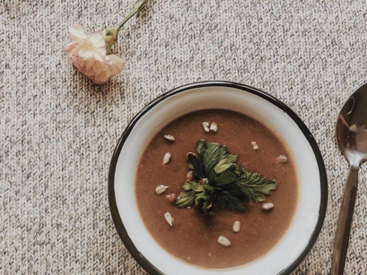 Zupa z batata i brązowej soczewicy