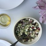 Wegańska sałatka kalafiorowa