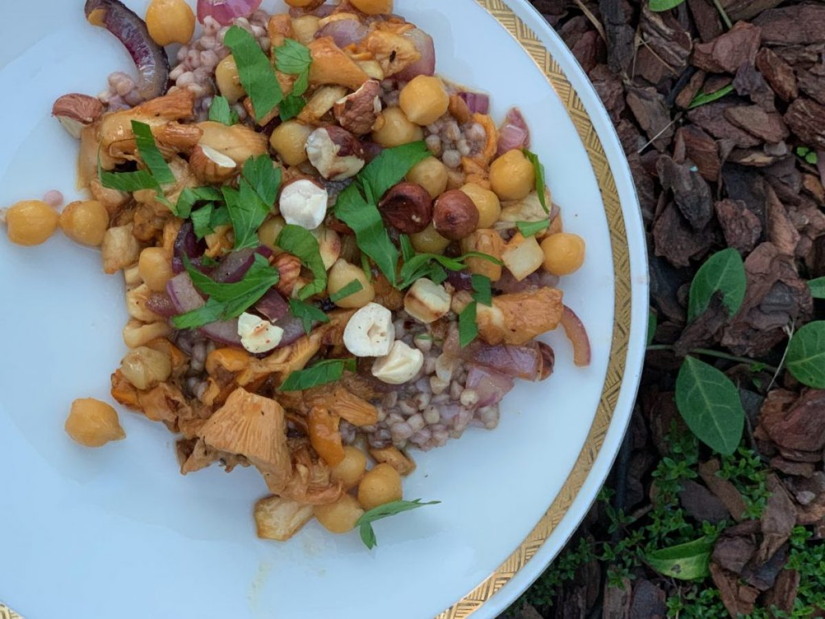 Jesień na talerzu - kasza gryczana z kurkami